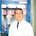 Chefarzt Fraidoun Ezzat leistet Pionierarbeit</br>Über 15.000 minimal-invasive Operationen