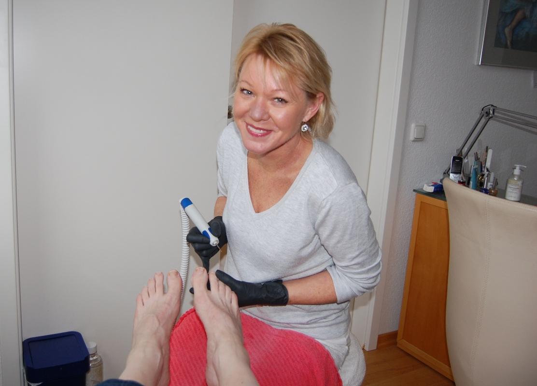 Gepflegte Füße im BlickpunktAufgabe Anti-Aging-Concept