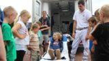 Kinder- und Jugendfeuerwehr besichtigt Rettungswagen
