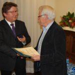 Ehrennadel in Gold für Hans-Jürgen Winkelhake</br>Verabschiedung ausgeschiedener Ratsmitglieder