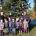 """""""ABC-Raketen"""" schmücken Weihnachtsbaum"""