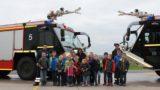 Mut vor dem Unbekannten</br>Löschtiger besuchen Flugplatzfeuerwehr in Achum
