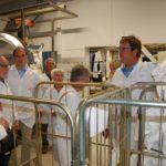 """""""Zu viel Waschpulver nutzt nichts""""</br>Senioren-Union besichtigt Eggers Textilpflege"""