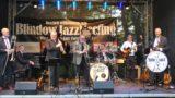 Blindow Jazz Meeting trotzt dem Regenwetter</br>Professor Dr. Andreas Blindow begrüßt etwa 500 gutgelaunte Jazzfreunde