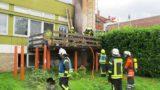 Feuer auf Balkon bedroht Wohnhaus</br>29 Einsatzkräfte der Feuerwehr