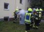 Feuerwehr löscht Feuer</br>Keine Verletzten bei Kellerbrand