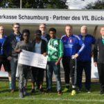 Bürgerbataillon übergibt Spende</br>1.000 Euro aus Tombolaerlösen für die VfL-Freizeitliga