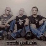 """""""Big Balls"""" rocken im Rathaussaal</br>AC/DC-Tribute Band sorgt für Begeisterung"""