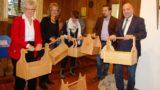 """Dank und Geld für eine """"wertvolle Aufräumarbeit""""</br>27. Kunstbazar der AWO zugunsten des Frauenhauses"""