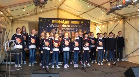 """Lieder und Geschichten als Seelenproviant</br>Reinhard Horn stimmt mit dem Kinderchor der """"Schaumburger Märchensänger"""" auf Weihnachten ein"""