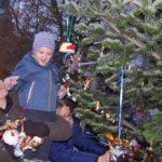 Nikolaus bringt Geschenke für die Kinder</br>Weihnachtsmarkt der örtlichen Vereine