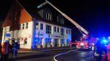 Mülltonnenbrand greift auf Dach über</br>Evakuierung von Hotelgästen
