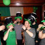 """Grünes Bier vom Fass</br>""""Minchen"""" feiert die St. Patricks Week"""