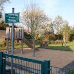 """Spielplatz """"Am Cronsbruch"""" wird aufgewertet</br>Sanierung der Sanitäranlagen im Gemeindebüro"""