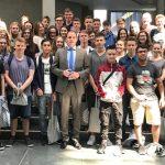 Gymnasiasten besuchen Maik Beermann