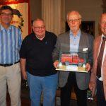 Ausstellung um ein Exponat ergänzt</br>Bernhard Fies übergibt Feuerwehrfahrzeug-Modell