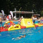 Regelmäßig in Bewegung bleiben</br>Fitnass-Tour von BKK24 und DLRG lockt ins Schwimmbad