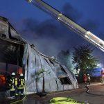 Großbrand in Nienstädt</br>Industriehalle niedergebrannt