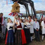 Dorfjugend feiert stimmungsvolles Erntefest</br>Viele Zuschauer bei Erntetänzen im Festzelt