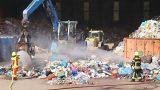 Gefahrguteinsatz im Entsorgungsbetrieb</br>Flammenbildung und Gasentwicklung