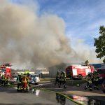 """Großbrand im Industriegebiet</br>Polizei: """"Bislang keine Hinweise auf vorsätzliche Brandstiftung"""""""