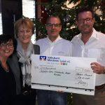 """Adventsfeier bei """"akzent Bauelemente""""</br>3.000-Euro-Spende für Eltern krebskranker Kinder"""