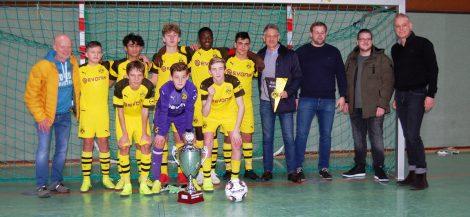 BVB gewinnt 17. VGH-Cup</br>Zahlreiche Zuschauer sehen 4:1-Finalsieg gegen Eintracht Braunschweig