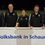 Volksbank kleidet FCH-Schiedsrichter neu ein