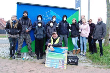 Workshop für Einsteiger</br>Graffiti-Nachwuchs verschönert Buswartehäuschen