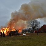 Traditionelle Osterfeuer der Feuerwehren