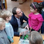 """""""Tag der kleinen Forscher""""</br>Maik Beermann (MdB) besucht Kindergarten Bodelschwingh-Haus"""