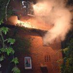 Wohnhausbrand mit verletzten Personen