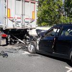 Autofahrer fährt in Stauende</br>50-Jähriger tödlich verletzt