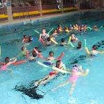 """Alle Kinder lernen schwimmen</br>Kinderhilfsverein """"Chic für Chancen"""" organisiert Schwimmkurse für 120 Kinder"""