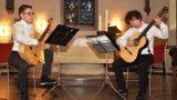 Klassische Gitarristen musizieren
