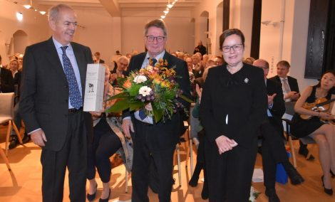 """""""Kluger Jurist und Menschenfreund""""</br>Schaumburger Landschaft verabschiedet Vorsitzenden Dr. Klaus-Henning Lemme"""