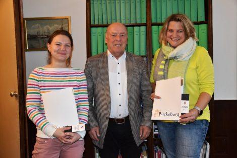 """""""Kleines Dankeschön der Gesellschaft""""</br>Ehrenamtskarten für Nicole Klose und Sandra Krömer"""