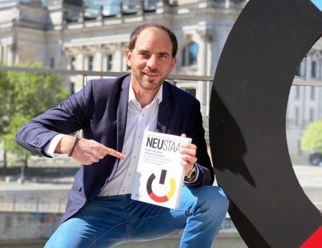 """Masterplan für """"Nach-Merkel-Ära""""?</br>Maik Beermann Co-Autor bei """"NEUSTAAT"""""""