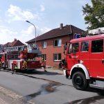 Feuer in einem Anbau</br>Feuerwehr rettet zwei Personen über Drehleiter