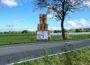 BIPAB65:</br>Strohballen sollen Höhe der geplanten Umgehungsstraße veranschaulichen