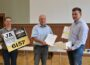 6.157 Unterschriften für neues Logistikzentrum </br>Bauerngut-Mitarbeiter übergeben Liste an Bürgermeister