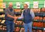 2.000 Euro für die Tafel </br>E-Center-Kunden und Ralf Fabig öffnen ihre Herzen